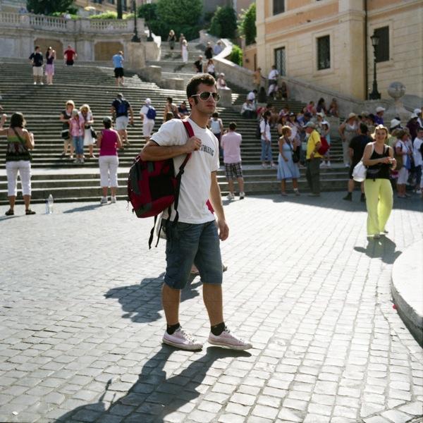 http://www.samuelhervas.com/files/gimgs/27_turistas4.jpg